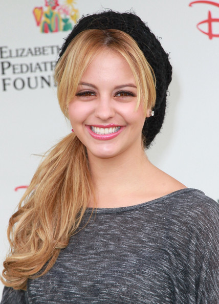Gage Golightly - Images Colection