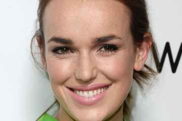 Elizabeth Henstridge Warner Music Group's Celebration For The 58th Annual Grammy Awards - Arrivals