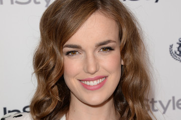 Elizabeth Henstridge Arrivals at the 12th Annual InStyle Summer Soiree
