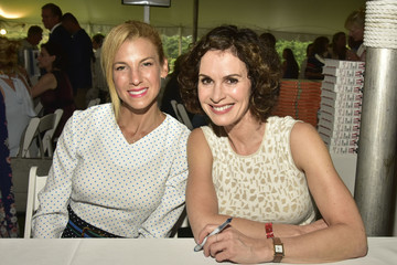 Elizabeth Vargas Authors Night 2017 At The East Hampton Library