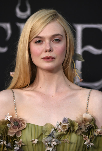 Elle Fanning Photos Photos World Premiere Of Disney S