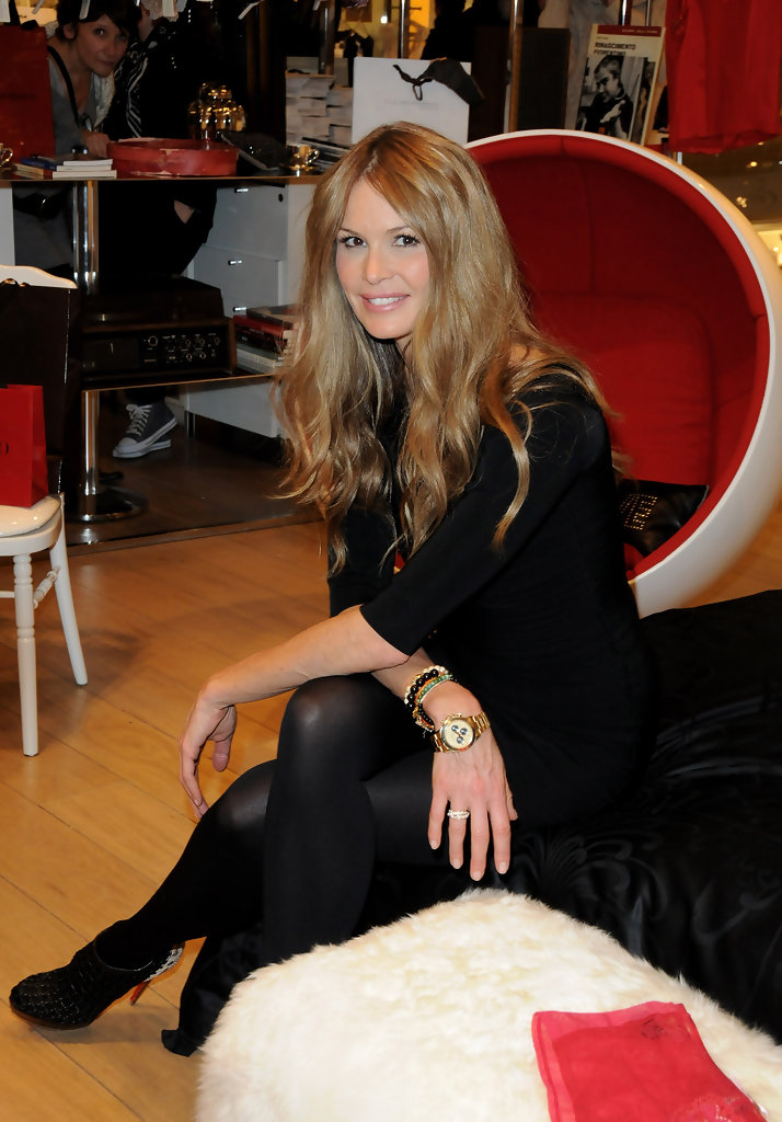 elle macpherson intimates collection launch zimbio. Black Bedroom Furniture Sets. Home Design Ideas
