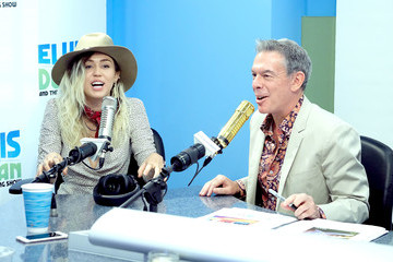 Elvis Duran Miley Cyrus Visits 'The Elvis Duran Z100 Morning Show'