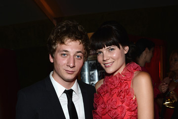 Emma Greenwell Jeremy Allen White The 2012 Entertainment Weekly Pre-Emmy Party Presented By L'Oreal Paris - Inside