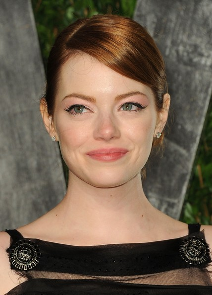 Emma Stone - 2012 Vanity Fair Oscar Party Hosted By Graydon Carter - Arrivals