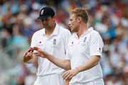 Steve Harmison (L) of England gives the ball to Andrew Flintoff during day two of the npower 5th Ashes Test Match between England and Australia at The Brit Oval on August 21, 2009 in London, England.
