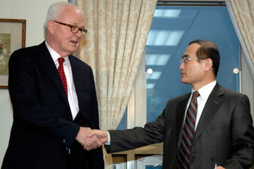 Wi Sung-lac U.S. Envoy For North Korea Stephen Bosworth Returns From North Korea