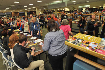 Eric Martsolf Greg Vaughan 'Days of Our Lives' Book Signing - Oak Park Mall Barnes and Noble