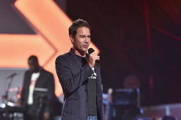 Eric McCormack Stand Up To Cancer Marks 10 Years Of Impact In Cancer Research At Biennial Telecast - Inside