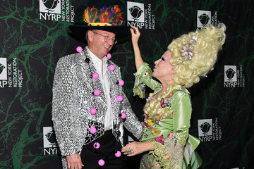 Eric Schmidt Bette Midler's 2017 Hulaween Event Benefiting The New York Restoration Project - Arrivals
