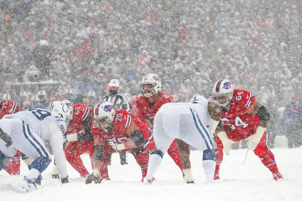 http://www1.pictures.zimbio.com/gi/Eric+Wood+Indianapolis+Colts+v+Buffalo+Bills+GtUlacj5SuPl.jpg