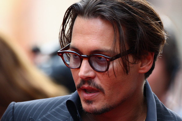 Actor Johnny Depp arrives at the European Film Premiere of 'Public Enemies'