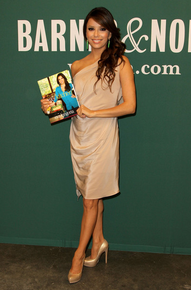 Eva Longoria in Eva Longoria Book Signing For \