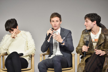Ezra Miller Apple Store Soho Presents Meet the Cast: 'Fantastic Beasts and Where to Find Them'