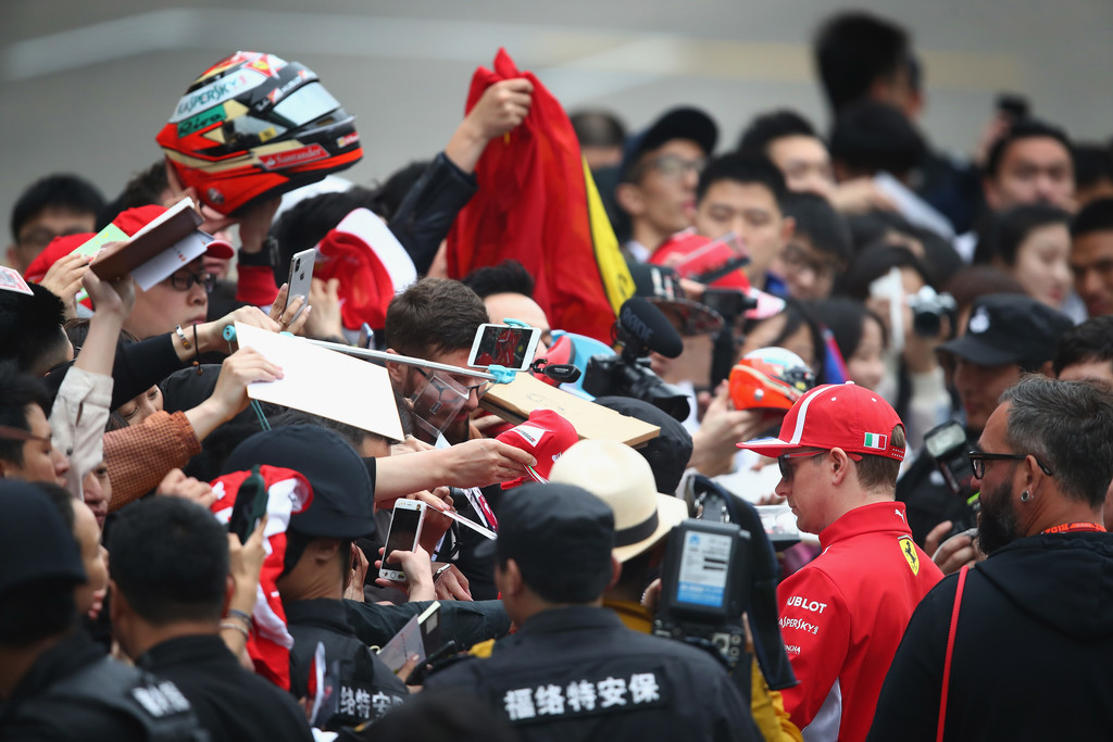 [Imagen: F1+Grand+Prix+China+Previews+A6f23NccY9Mx.jpg]