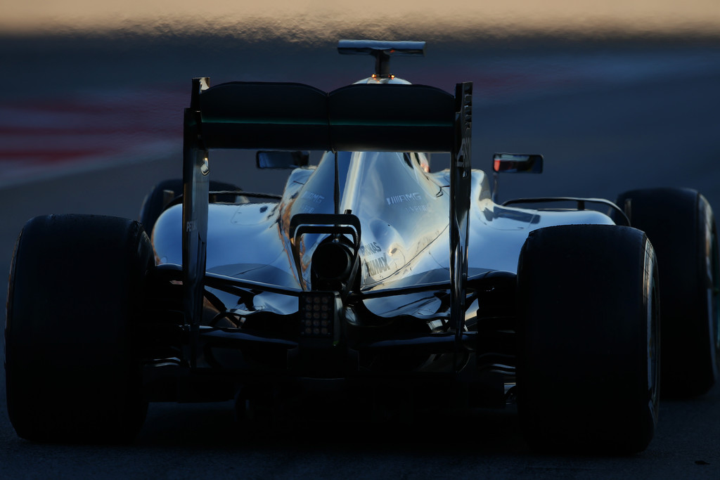 [Imagen: F1+Testing+Barcelona+Day+Three+T0v1NoMie20x.jpg]