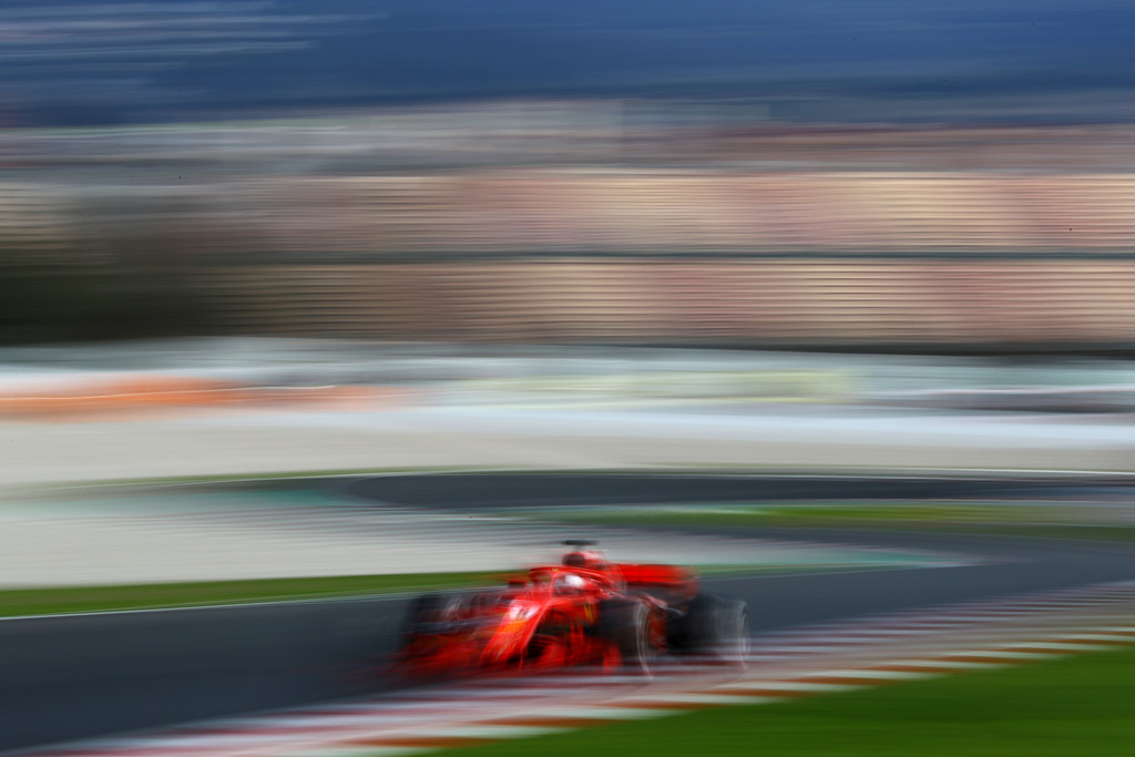 [Imagen: F1+Winter+Testing+Barcelona+Day+Three+X6MtblpB2Xvx.jpg]