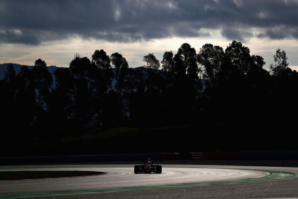 [Imagen: F1+Winter+Testing+Barcelona+Day+Three+mS_209wzMP9x.jpg]