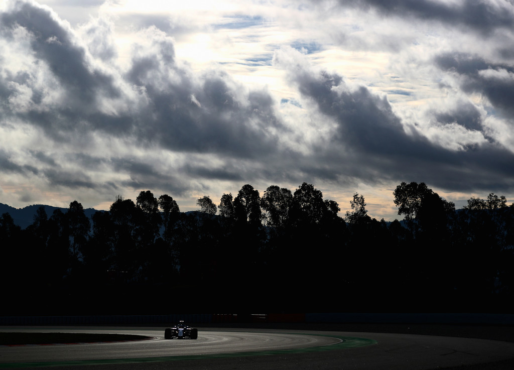 [Imagen: F1+Winter+Testing+Barcelona+Day+Three+ych51CYaJVbx.jpg]
