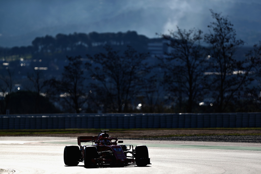 [Imagen: F1+Winter+Testing+Barcelona+Day+Two+L27gBWEEbbVx.jpg]