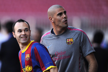 Andres Iniesta Victor Valdes FC Barcelona Media Open Day Ahead Of UEFA Champions League Final