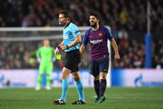 Luis Suarez of Barcelona shouts at the referee Felix Brych during the UEFA Champions League Quarter Final second leg match between FC Barcelona and Manchester United at Camp Nou on April 16, 2019 in Barcelona, Spain.