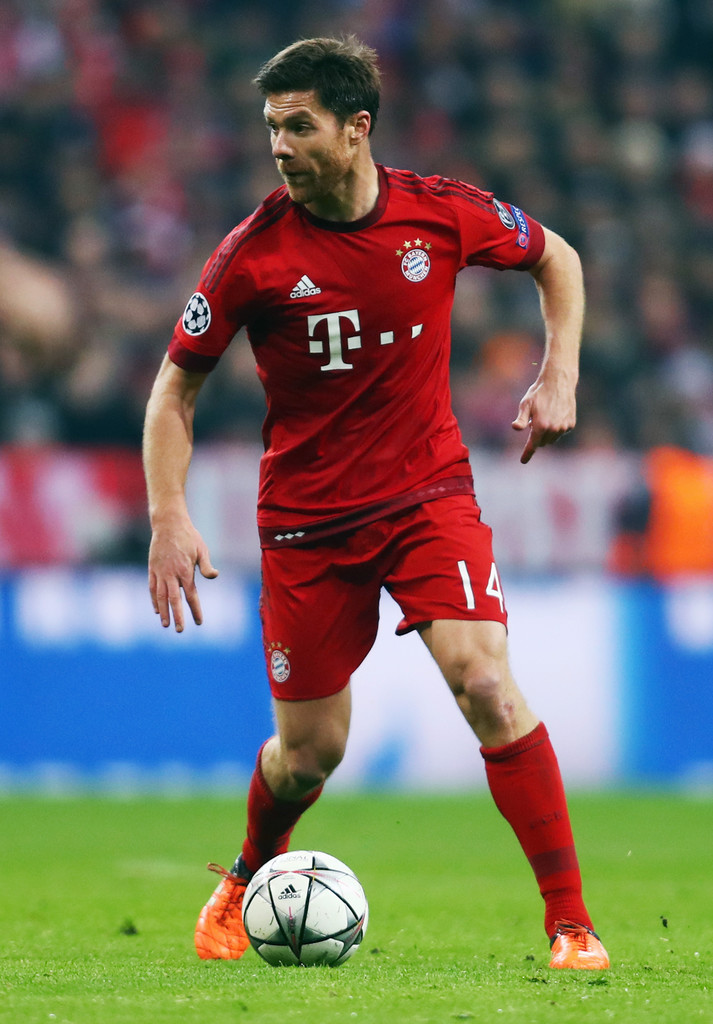 xabi alonso photos photos fc bayern muenchen v juventus uefa champions league round of 16. Black Bedroom Furniture Sets. Home Design Ideas