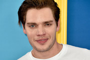 Dominic Sherwood attends FOX's Teen Choice Awards at The Forum on August 12, 2018 in Inglewood, California.