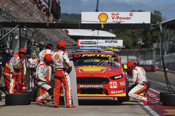 Fabian Coulthard Supercars - Clipsal 500 Adelaide: Top 10 Shootout & Race 2