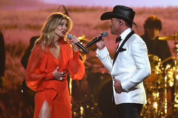 Faith Hill The 51st Annual CMA Awards - Show