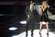 Singer/songwriter Tim McGraw (L) and singer Faith Hill perform during the opening weekend of their limited-engagement