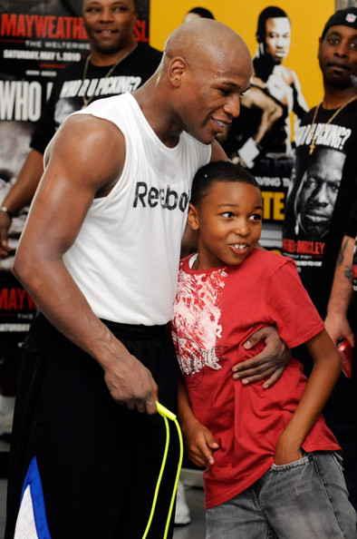 Koraun Mayweather also Mayweather Sr Protege Devin Haney besides Content6255 further Training C  In Big Bear together with Mayweather Pacquiao Pay Per View Record 2015 4. on oscar de la hoya manny pacquiao