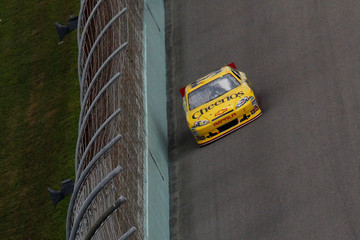 Clint Bowyer Ford 400
