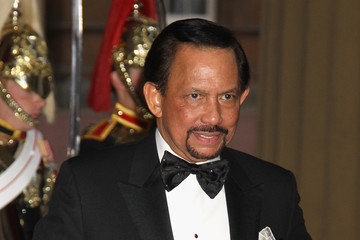 The Sultan of Brunei Foreign Sovereigns Attend Dinner to Commemorate the Diamond Jubilee