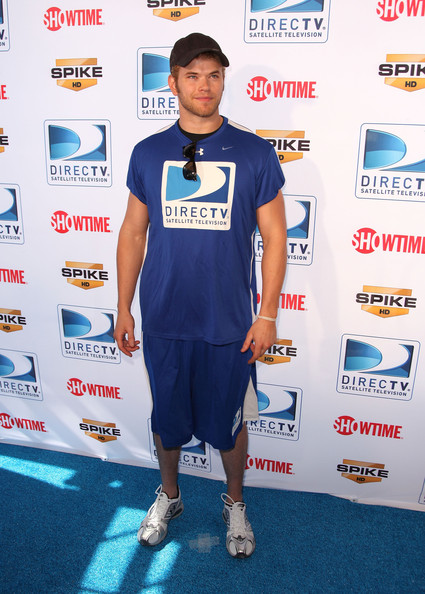 Kallan Lutz - razne slike :) Fourth+Annual+DIRECTV+Celebrity+Beach+Bowl+mHIXztSv8CYl