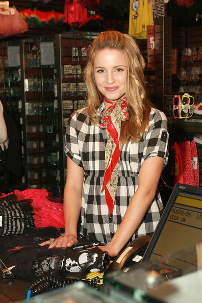 Dianna Agron Dianna Agron attends The Gleek Tour at Hot Topic in the