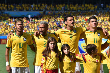 Fred Neymar Brazil v Chile: Round of 16 - 2014 FIFA World Cup Brazil