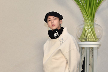 G-Dragon Chanel : Front Row - Paris Fashion Week - Haute Couture Spring  Summer 2017