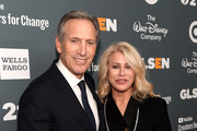 Howard Schultz (L) and Sheri Kersch Schultz attend the GLSEN Respect Awards at the Beverly Wilshire Four Seasons Hotel on October 19, 2018 in Beverly Hills, California.