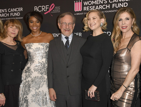 Image result for gabrielle union and kate hudson receive award at benefit gala