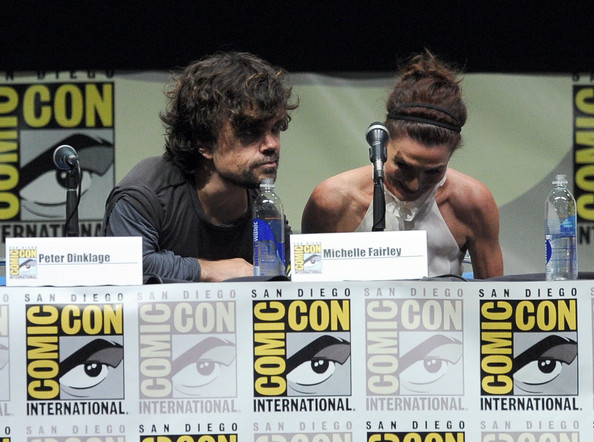 http://www1.pictures.zimbio.com/gi/Game+Thrones+Panel+Comic+Con+International+FPFU2P2JufMl.jpg