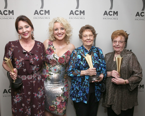 12th Annual ACM Honors - Backstage And Audience [photos,event,fashion,fashion design,fun,award,smile,audience,pam miller,garneta johnston,bobbie hedrick,cam,acm honors - backstage,l-r,nashville,tennessee]