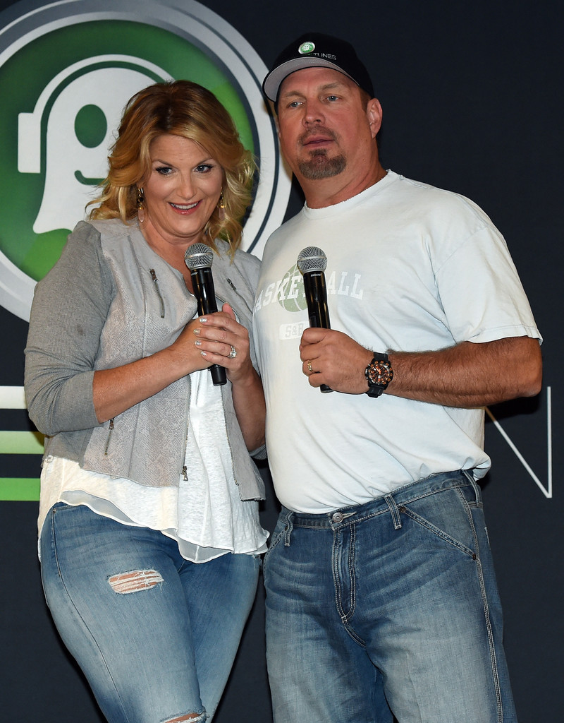 Trisha yearwood and garth brooks garth brooks and trisha for Is garth brooks and trisha yearwood still married