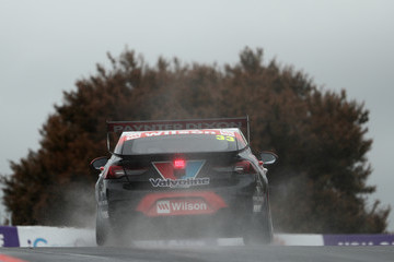 Garth Tander Supercars - Bathurst 1000: Practice And Qualifying