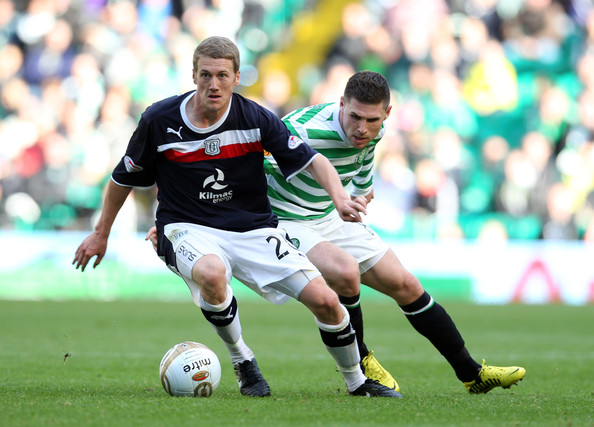 e2095d7176 Gary Hooper Photos Photos - Celtic v Dundee - Scottish Premier ...