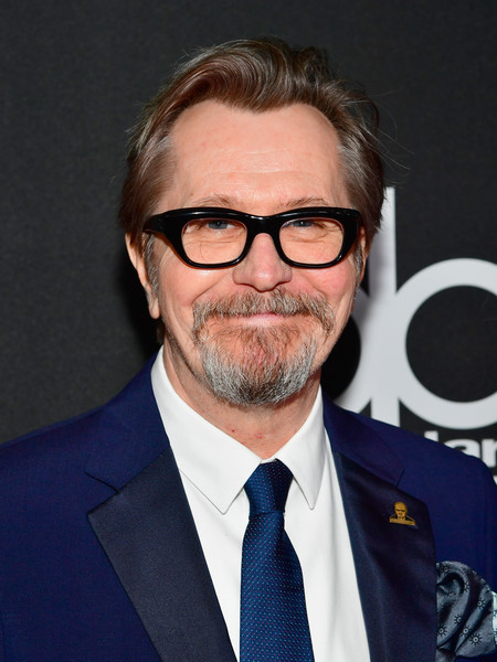 http://www1.pictures.zimbio.com/gi/Gary+Oldman+21st+Annual+Hollywood+Film+Awards+o85yCQ5zQ6Zl.jpg