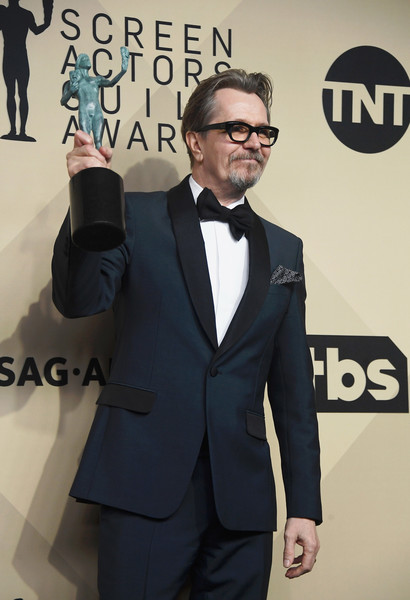 http://www1.pictures.zimbio.com/gi/Gary+Oldman+24th+Annual+Screen+Actors+Guild+Btyjb8S7rMol.jpg