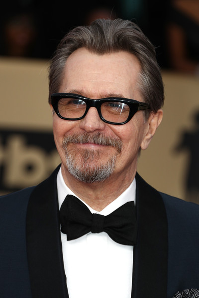 http://www1.pictures.zimbio.com/gi/Gary+Oldman+24th+Annual+Screen+Actors+Guild+shTM0xohX8hl.jpg
