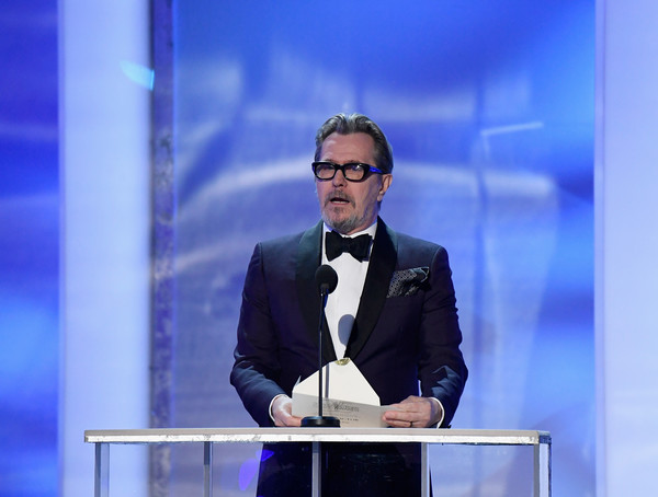 http://www1.pictures.zimbio.com/gi/Gary+Oldman+25th+Annual+Screen+Actors+Guild+4jLYdWDC2Xtl.jpg