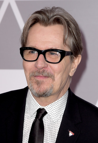 http://www1.pictures.zimbio.com/gi/Gary+Oldman+90th+Annual+Academy+Awards+Nominee+l-bs0etfx3kl.jpg